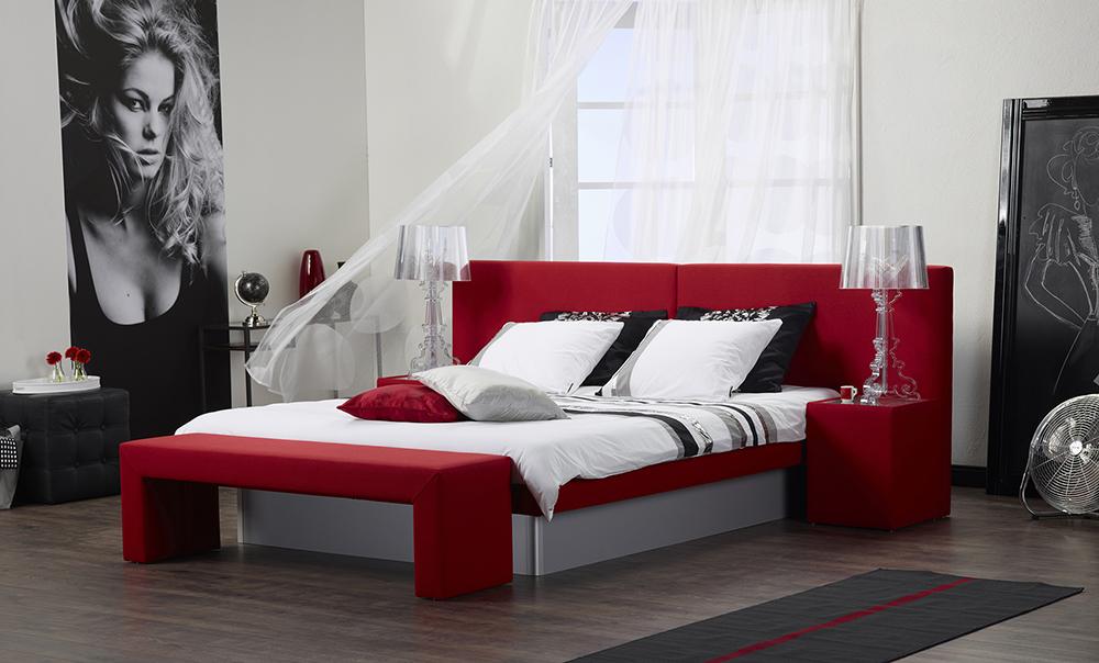 Vodna postelja design trend line in aruba vzglavna stranica
