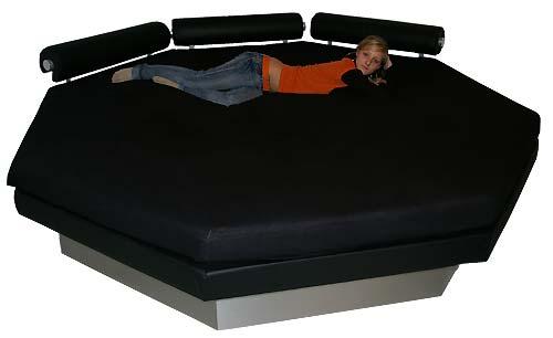 oktagon vodna postelja